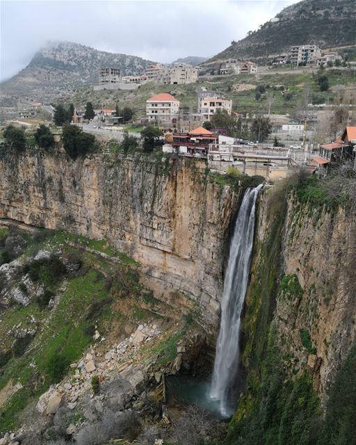 Can look at it endlessly...... lebanon inlebanon lebanontimes ... (Jezzîne, Al Janub, Lebanon)
