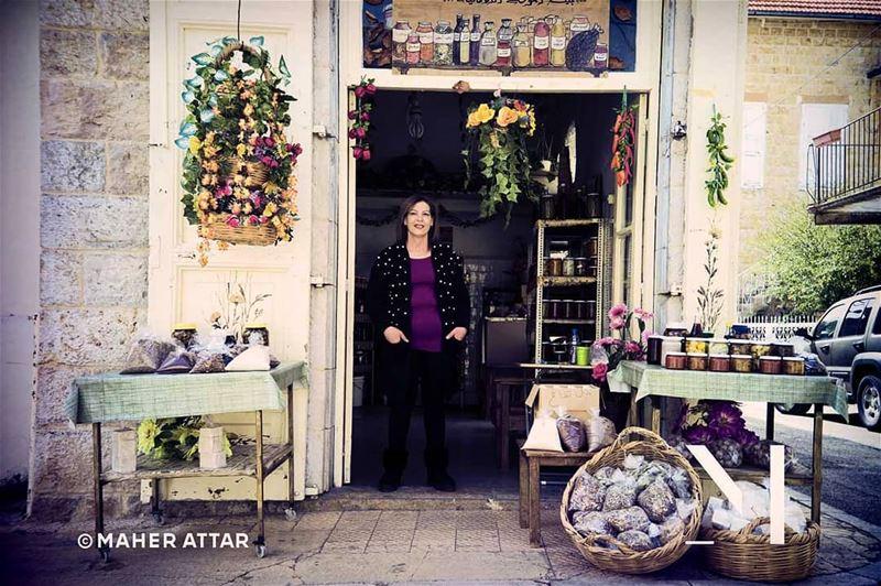 "Meet Josephine ... Zaatar saleswoman. ""I beleive I am here for a reason""... (Douma, Liban-Nord, Lebanon)"