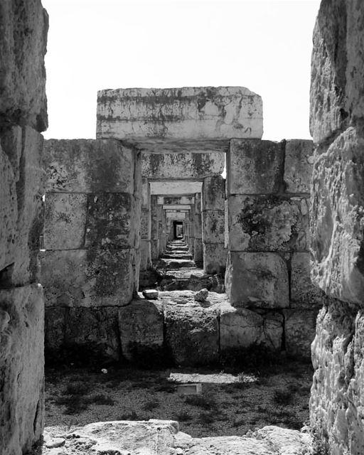 Romans!!....... travelawesome exploretheglobe worlderlust ... (Tyre, Lebanon)
