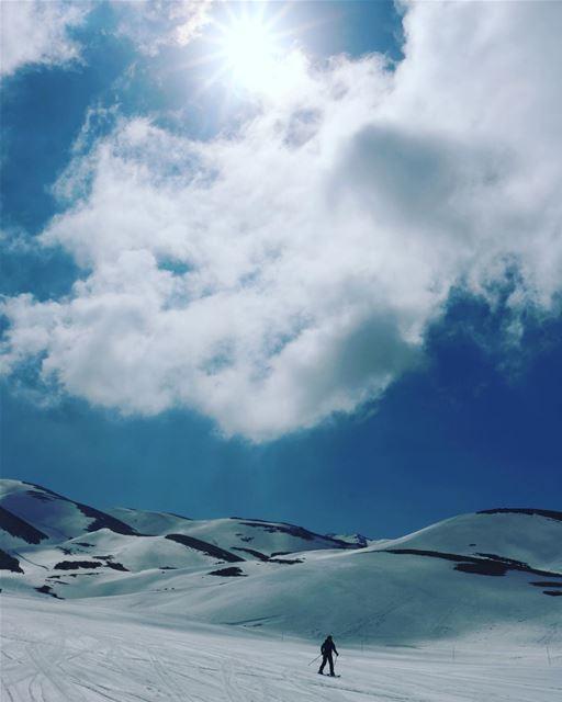 Beauty of natureEnd of the ski season———————————————————————- ski snow...