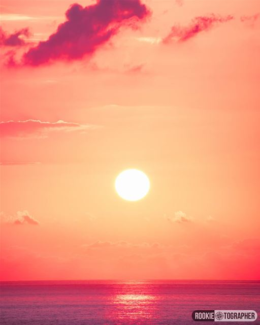 Paint-ish🌅 rookietographer ...... sunset_hub sunsets_oftheworld ... (Beirut, Lebanon)