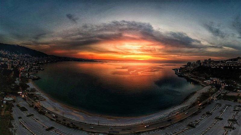 Sunset over jounieh bay 🌅😍 natgeoyourshot natgeolebanon livelovejounieh... (جونية - Jounieh)