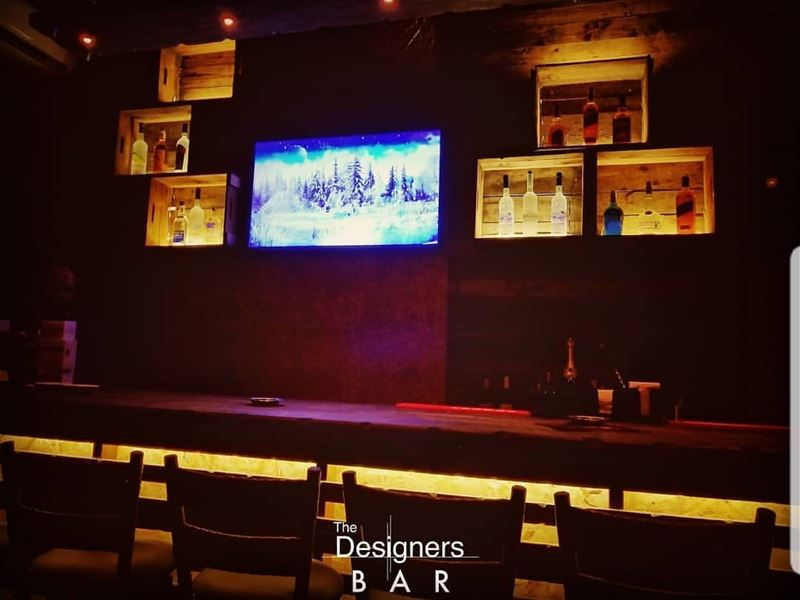 batroun  cheers  designers_bar  batrounnightlife  batrouning  bebatrouni ... (The Designers Bar)