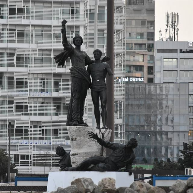 ١٤ اذار ٢٠١٨ ويبقى البلد lebanon livelobebeirut beirut livelovelebanon... (Martyrs' Square, Beirut)