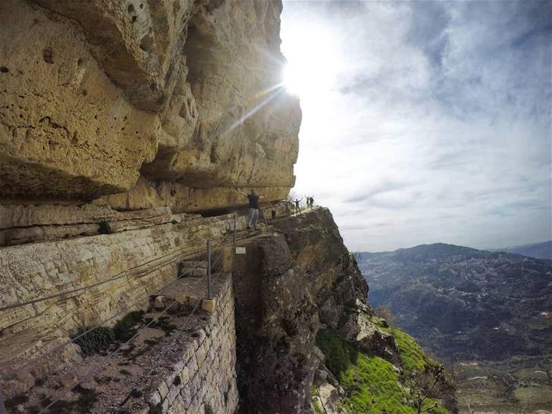 lebanon mountain visitlebanon meetlebanon ... (Niha Fortress - قلعة نيحا)