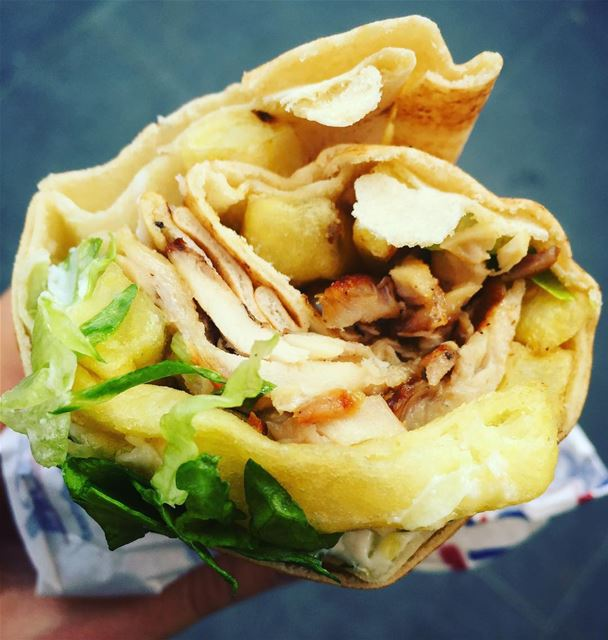 shawarma  chickenshawarma  chicken  foodphotography  weekday  foodstyling... (Kaddoum Center)