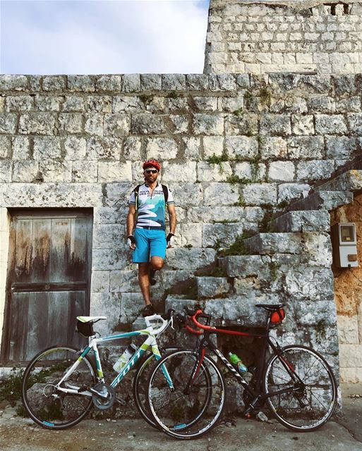 Cycling through old villages 🚴‍♂️🚴‍♀️ (Batroun District)