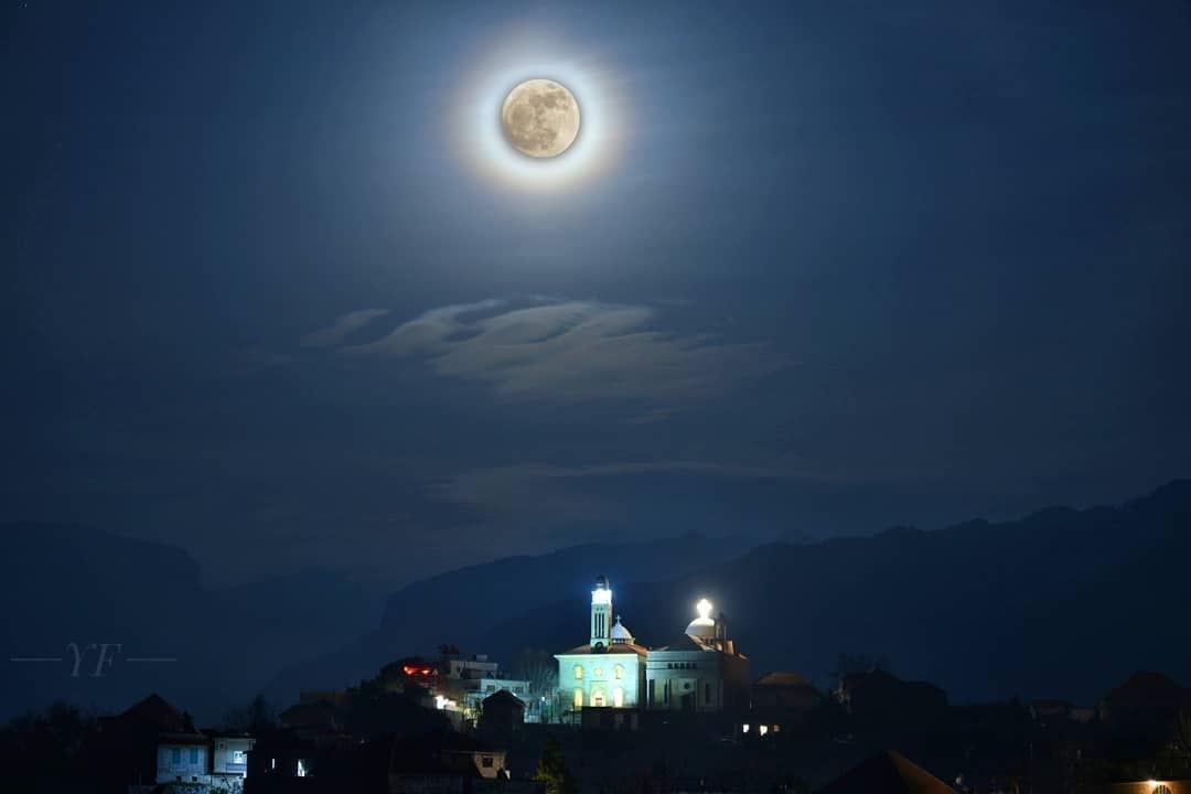 It's a Full Moon 🌚ig_shotz earth_shotz globe_shotz bns_earth ... (Douma, Liban-Nord, Lebanon)