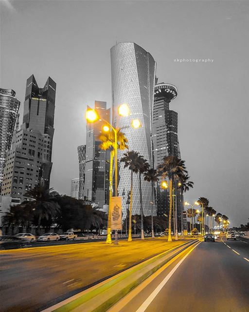 الوداع لا يقع إلا لمن يعشق بعينيه أما ذاك الذي يحب بروحه وقلبه فلا ثمة انفص (Doha)