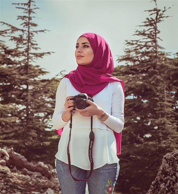 ᴊᴜsᴛ ᴄᴏɴᴠᴇʏɪɴɢ ᴍʏ ᴇᴍᴏᴛɪᴏɴs ᴛᴏ ᴛʜᴇ ᴡᴏʀʟᴅ ᴡɪᴛʜᴏᴜᴛ sᴀʏɪɴɢ ᴀ ᴡᴏʀᴅ.@zeinabsrour (Al Shouf Cedar Nature Reserve)