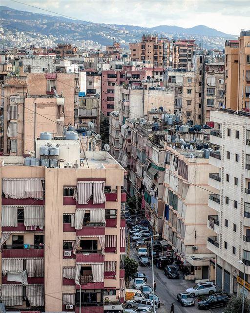 ᴛʜᴇ ᴄʜᴀᴏs ᴏғ ᴀ ᴄɪᴛʏ 🏙 (Beirut, Lebanon)