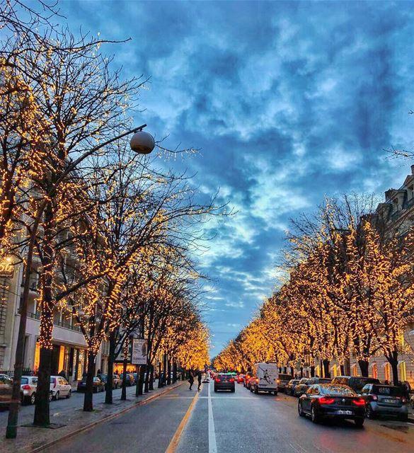 وتغفى سني وتوعى سنيوانت تبقى حبيبي 🍾 (Paris, France)