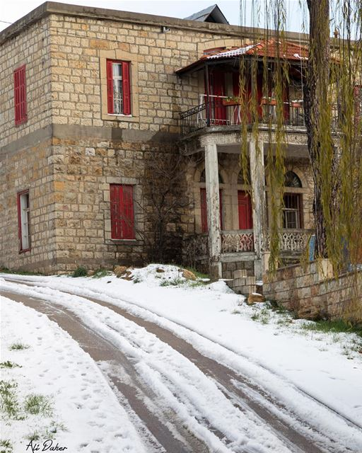 🏠... photography photographer photooftheday landscape... (Sawfar, Mont-Liban, Lebanon)