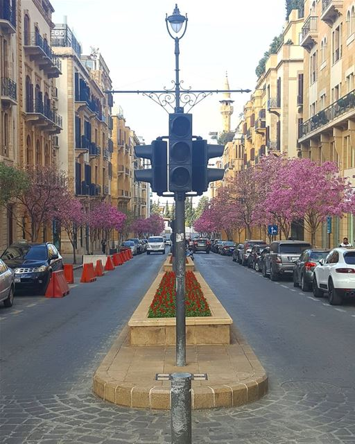 Beauty is in asymmetry goodmorning ........... Lebanon beirut... (Downtown Beirut)