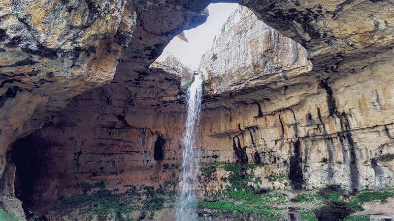 Where's the top?..... gorge  lebanon  waterfall  mountain  extreme ... (Bâloûaa Balaa)