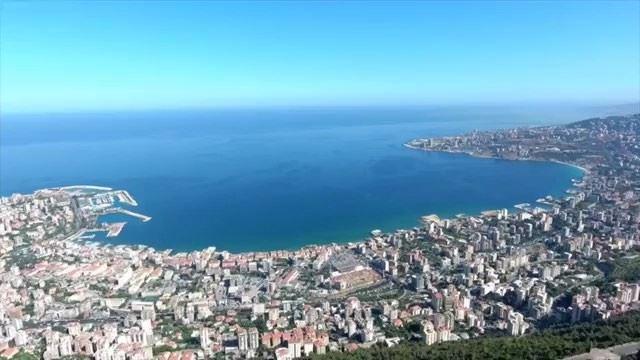🇱🇧 O nosso bom dia de hoje é com essas belas imagens aéreas de Jounieh,... (Joünié)
