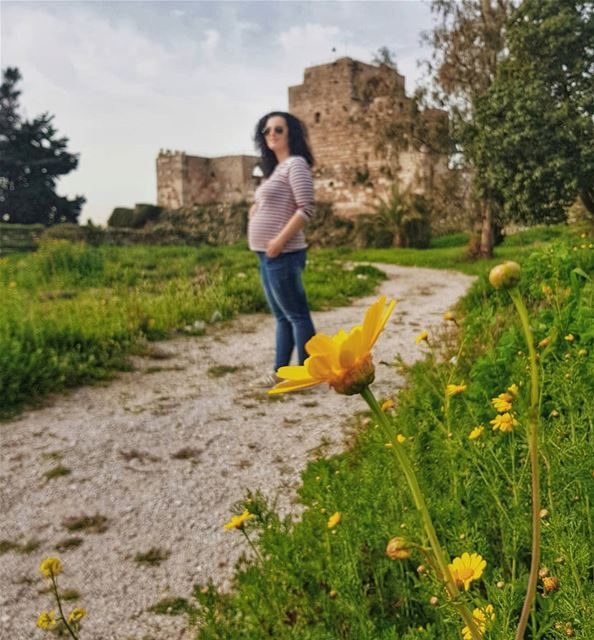 Happy Mother's Day to all the mommies in the world 🌻 В Ливане настал первы (Byblos Castle)