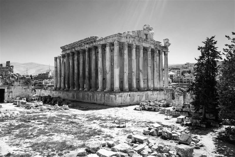 Bacchus temple: Built back when the Romans were at their best to celebrate... (Temple of Bacchus)