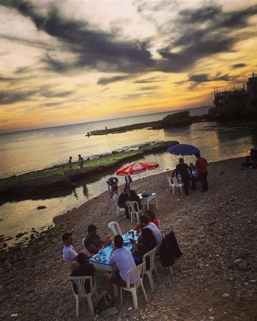 Sunset time 😍 lebanon batroun raysbatroun bahsa lebaneserestaurant ... (RAY's Batroun)