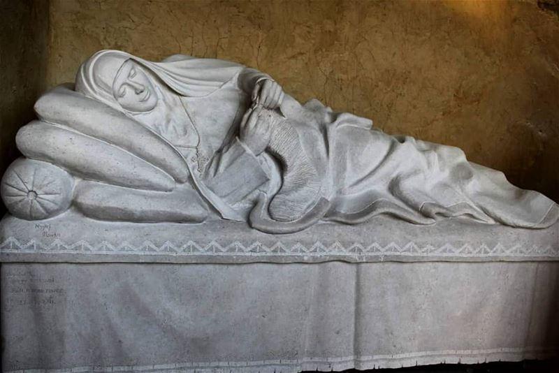 القديسة رفقا على فراش الآلام____ nayef_alwan sculptor sculpture ... (Lebanon)