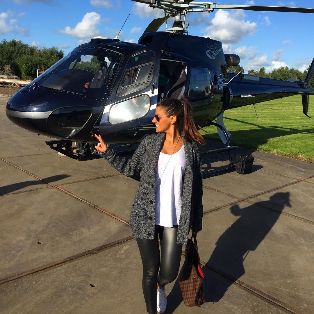 When your husbands friend is a helicopter pilot 🚁, a mandatory picture... (Antwerp, Belgium)