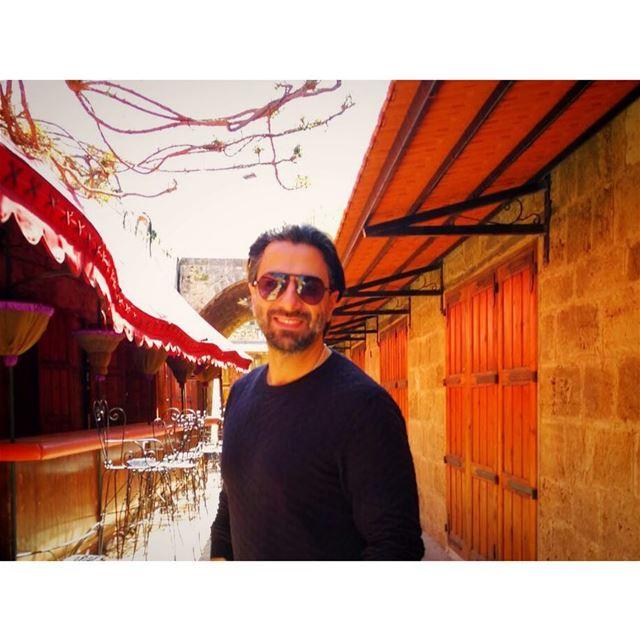 عم تحكي معي؟ ohyouknow ohyoucalled lebanon lebanon_hdr photography ... (Byblos, Lebanon)