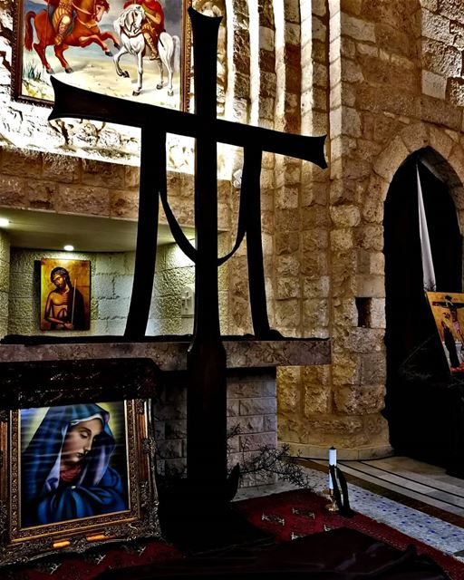 christ christians cross holy church jesus pray peace light ... (Rechdibbîne, Liban-Nord, Lebanon)