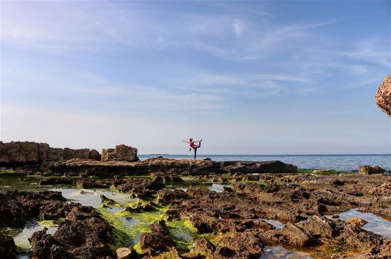 Be free.... ———————————————————————— yoga yogalebanon yogi balance ... (Tripoli, Lebanon)