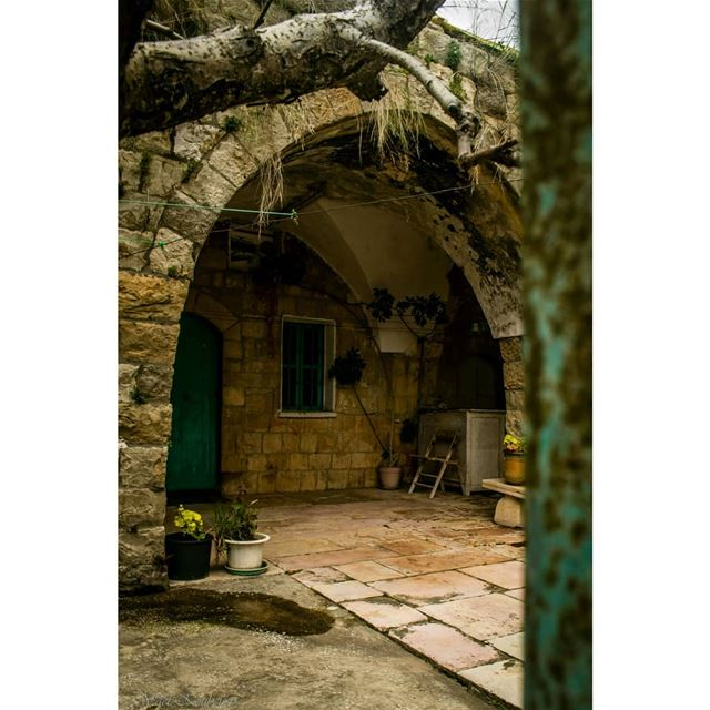 lebanon heritage old house entrance architecture terrace plants ... (Dayr Al Qamar, Mont-Liban, Lebanon)