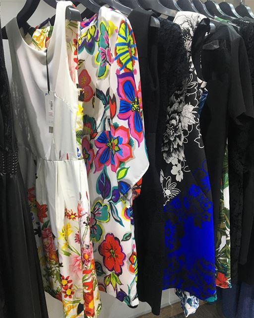 Floral dresses 💐DailySketchLook 270 shopping italian boutique ... (Er Râbié, Mont-Liban, Lebanon)