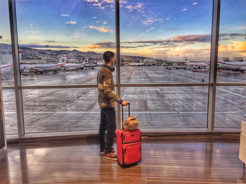 5:30 am 🕠 (Beirut–Rafic Hariri International Airport)