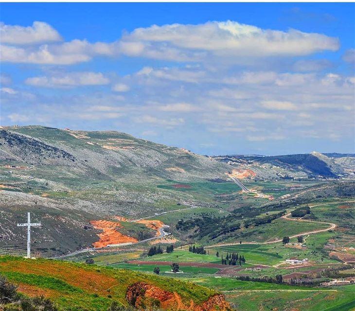 هيدي ارضنا ولن نتخلى عنها lebanon livelovelebanon livelovebeirut ... (El Qlaïaâ, Al Janub, Lebanon)