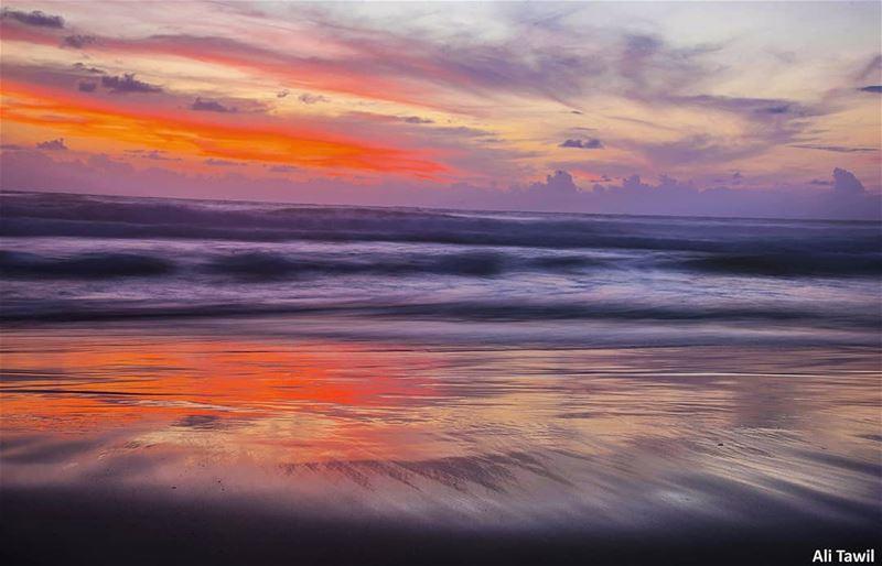 {رَبُّ الْمَشْرِقَيْنِ وَرَبُّ الْمَغْرِبَيْنِ}❤ sunset sunsetlovers ... (Beirut, Lebanon)