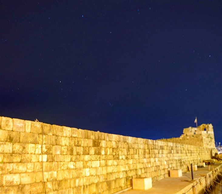 for every dark night there's a brighter day 💜 hope night photography ... (Byblos - Jbeil)
