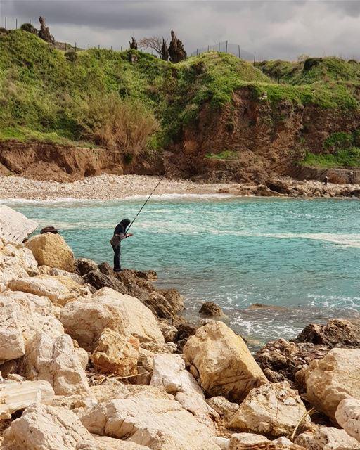 وهالصيادة صنارتها محتارة🎣 (Byblos, Lebanon)