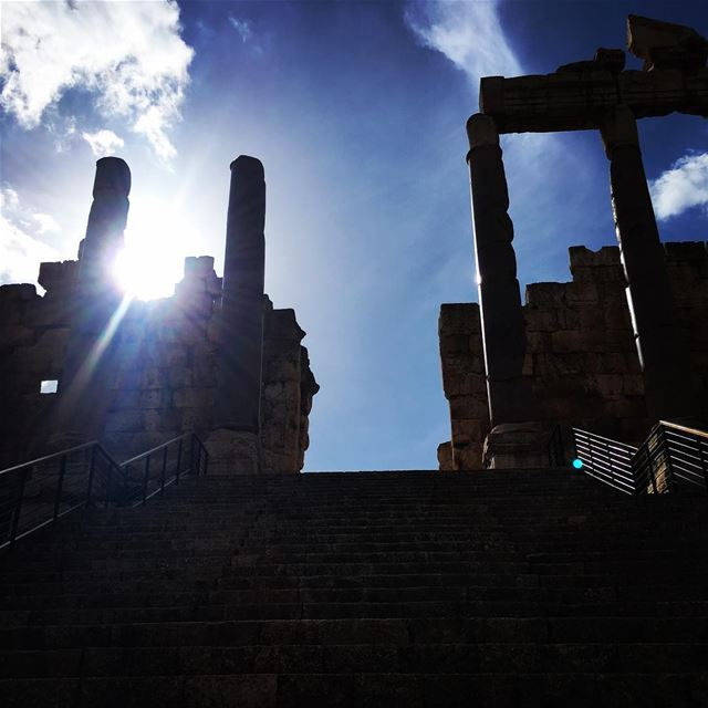 Follow The Light. baalbeck cityofthesun lebanon livelovelebanon ... (Baalbek, Lebanon)