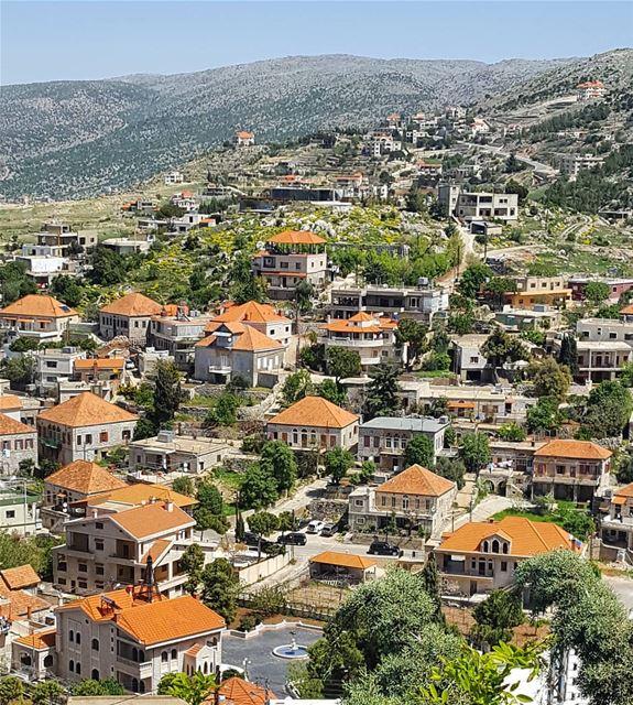 livelovebeirut wearelebanon insta_lebanon beautifullebanon ... (Rashayya, Béqaa, Lebanon)