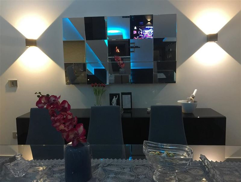mirror modern decoration diningroom lighting apartment reflection ... (Balloûné, Mont-Liban, Lebanon)