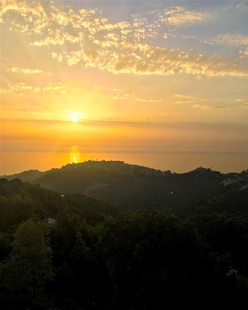 Until the sun rises again... 🇱🇧 ... lebanon instalebanon ...