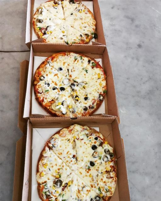 Pizza for lunch is always a good idea!📍@rashetsomsom🍕🍕🍕🍕🍕🍕🍕🍕🍕🍕... (Rashet somsom - رشة سمسم)
