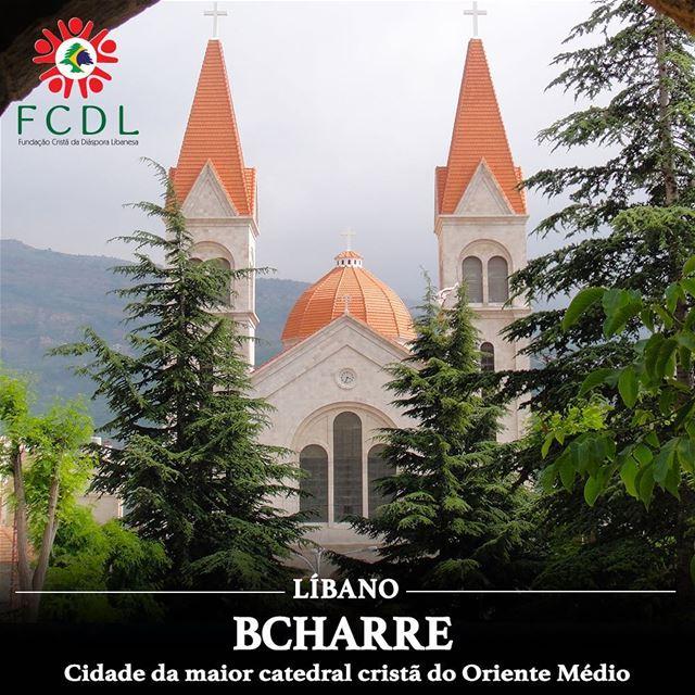 🇱🇧 Bcharre, cujo padroeiro é Mar Seba (da Capadócia), é uma cidade... (Bcharré, Liban-Nord, Lebanon)