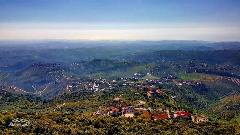 هيدا لبنان ☝️ lebanoninstagram lebanonactivities mylebanon🇱🇧 ... (Mleeta Tourist Landmark)