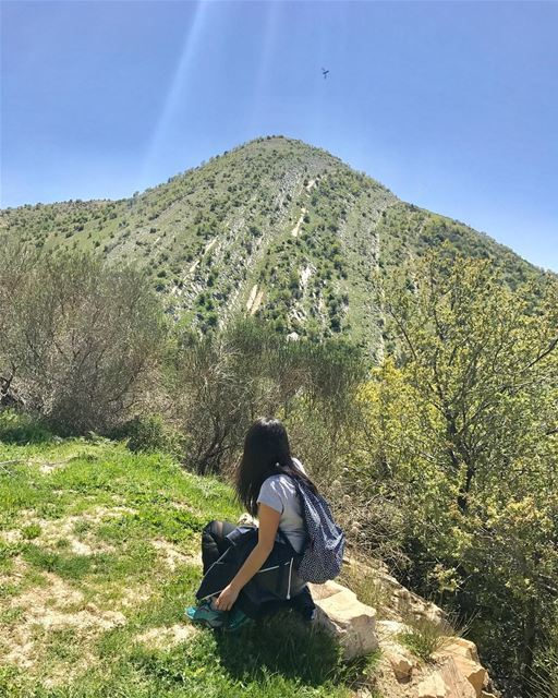 Hike more worry less.💚••••• todayhiking hikingadventures hiking� (Chouf)