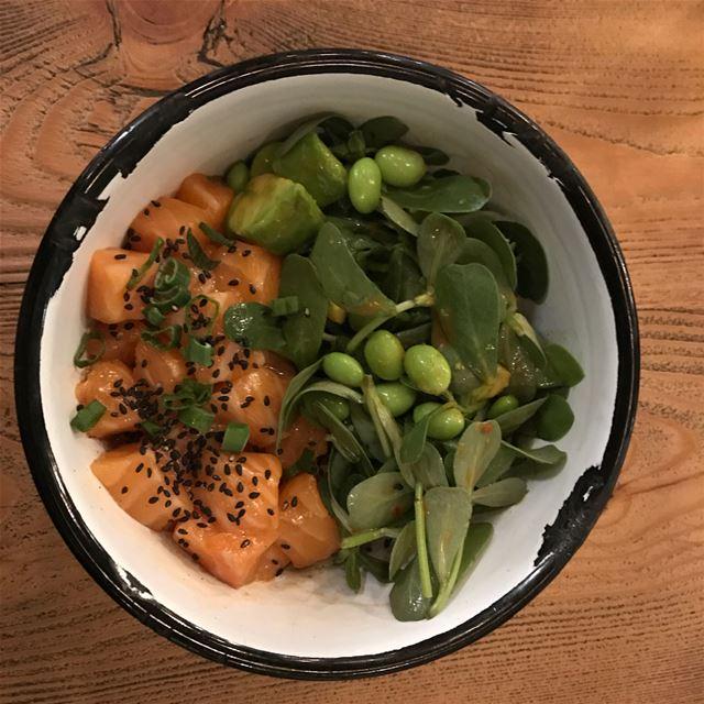 🤤 foodporn poke salmon salad lebanon lebanesebucketlisters... (DON)