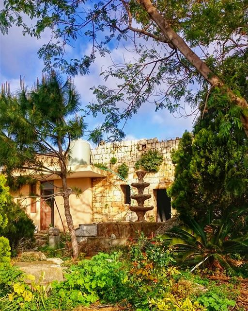 The hidden garden 🌸 takenbyme ptk_Lebanon visitlebanon ... (مقام شمعون الصفا (ع))