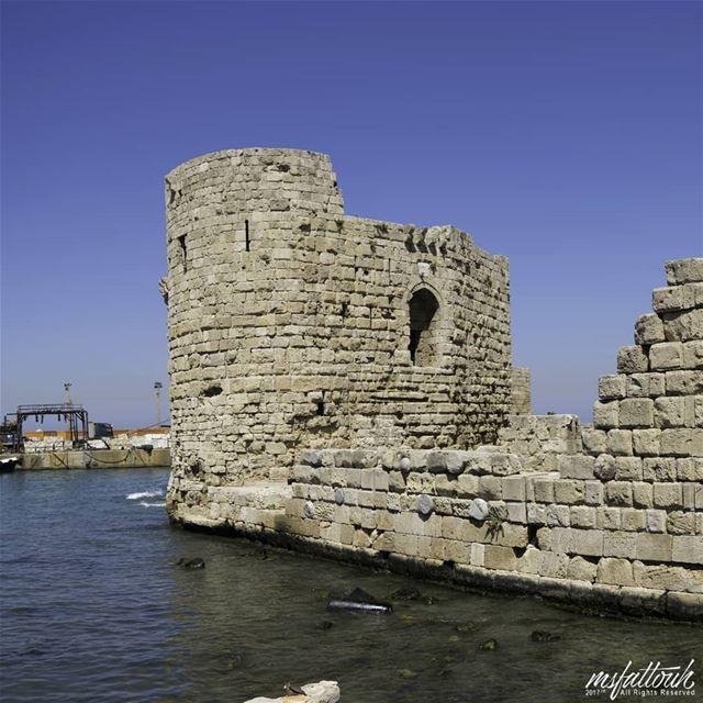 Sidon's Sea Castle (Arabic: قلعة صيدا البحرية Kalaat Saida al-Bahriya) was...