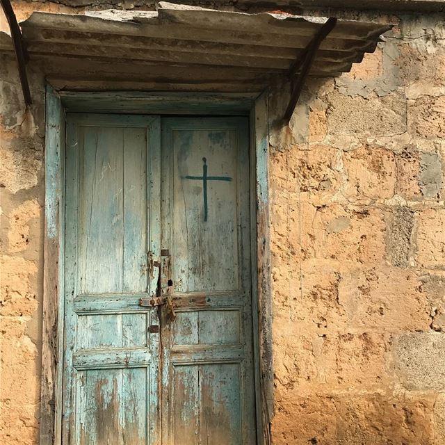 البترون batroun northernlebanon olddoor vintagehome lebanon ... (Batroûn)