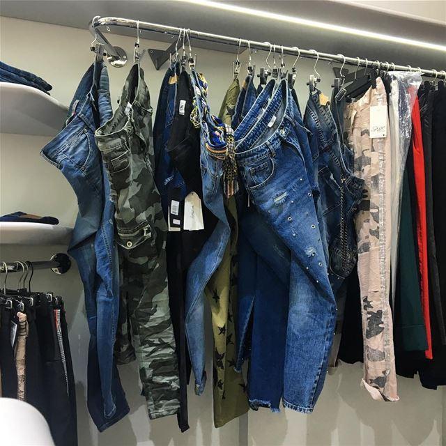 Jeans SS18 collection 👖DailySketchLook 282 shopping italian boutique ... (Er Râbié, Mont-Liban, Lebanon)