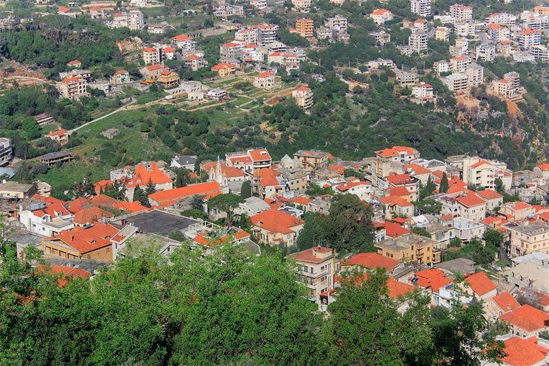 عاشقة القرميد 🏡 (Beït Chabâb, Mont-Liban, Lebanon)