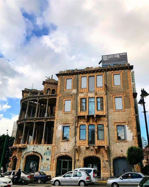 [BEIT BEIRUT] memories of war! beirut sky clouds picoftheday ... (Beit Beirut)